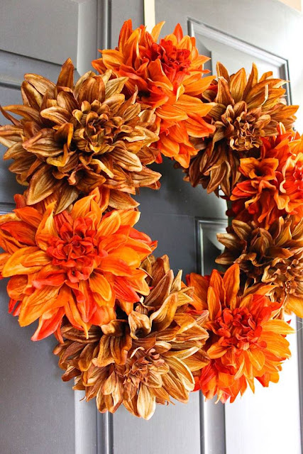 http://2beesinapod.com/2015/09/08/easy-fall-wreath/