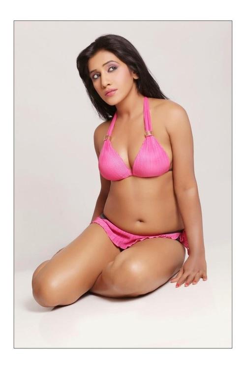Bollywood Hot Actress In Bikini Bollywood Actress in Bikini Pics 12