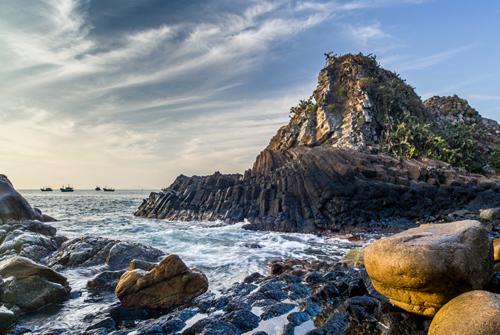 Dịch vụ du lịch Phú Yên - Vẻ đẹp hùng vỹ của Ghềnh Đá Đĩa