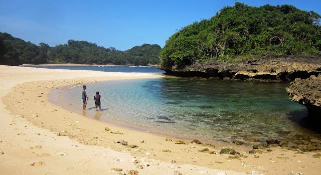 Gambar Pantai Kedung Celeng