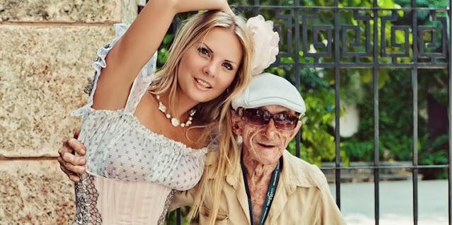 Молодая жена забеременела от 90-летнего мужа