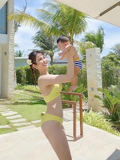 Diệp Lâm Anh tung ảnh bikini táo bạo