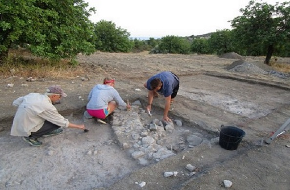 Chalcolithic and Bronze Age finds at Makounta Voules excavations in Cyprus