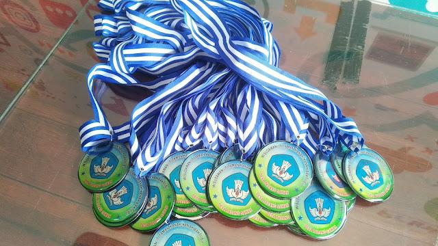Medali Penghargaan Wisudawan TK