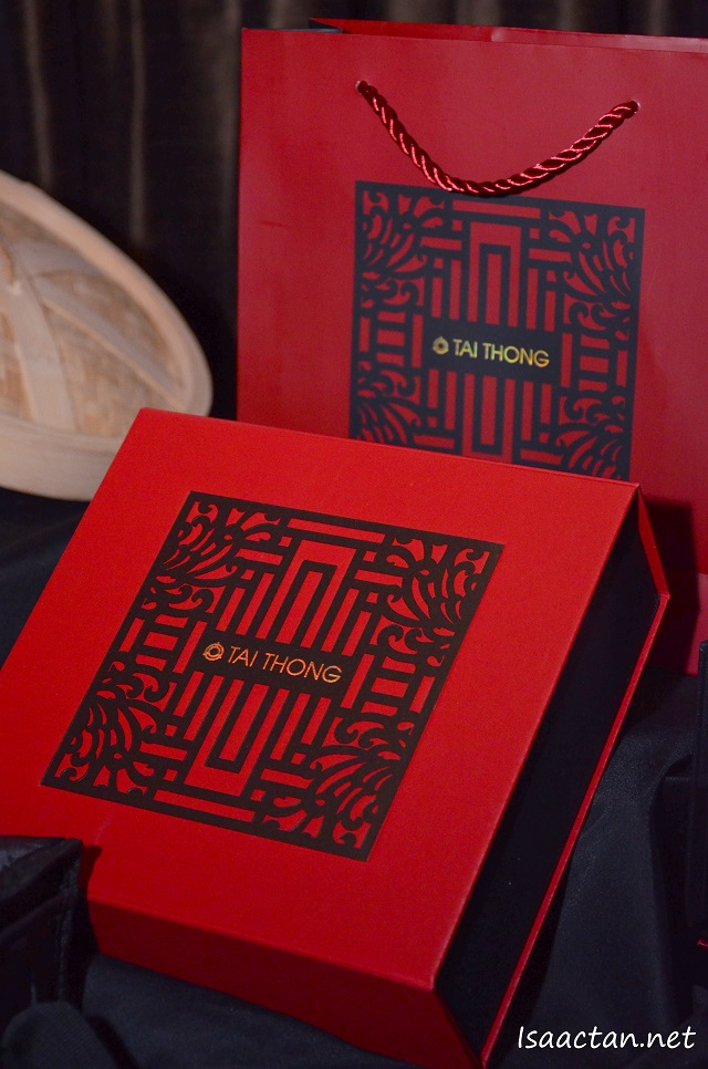 The signature Tai Thong mooncake box