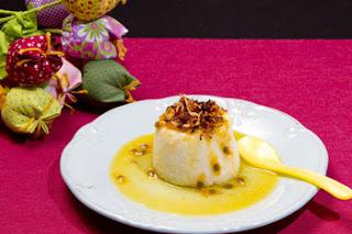 Imagem do pudim de tapioca com calda de maracujá. Foto de: Fernando Frazão.