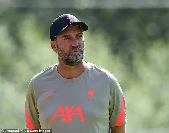 Liverpool boss Jurgen Klopp vows to be patient with Virgil van Dijk & Joe Gomez