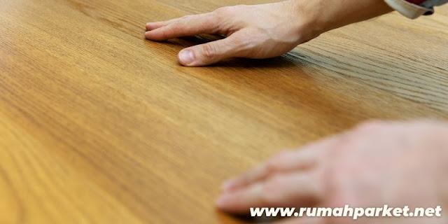 Tips Memilih Lantai Terbaik Untuk Lapangan Futsal - perhatikan material lantai