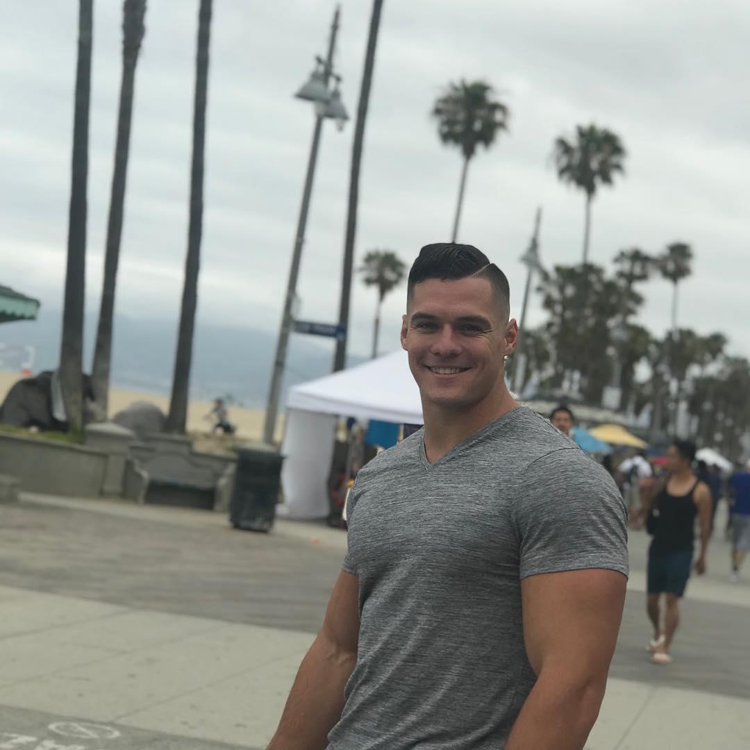 beefy-street-bro-smiling-huge-muscular-body-hunk