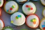http://www.theninaedition.de/2012/08/bakes-vanille-cupcakes.html