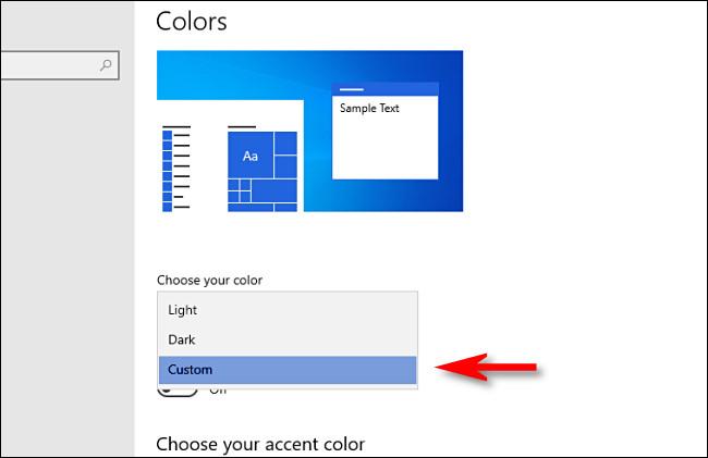 """في إعدادات Windows ، ضمن """"اختيار لونك"""" ، حدد """"مخصص""""."""