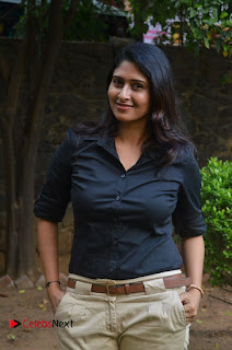 Actress Aisha Azcym Pictures at Kathal Agathi Movie Team Interview  0001.jpg