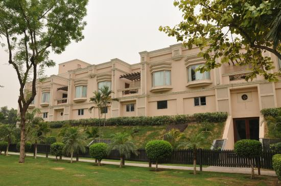 The Uppal Hotel, located in New Delhi, is a luxurious property providing lavishing stay to its guests.