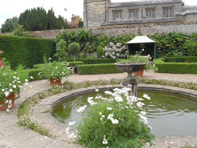klasyczny ogród formalny