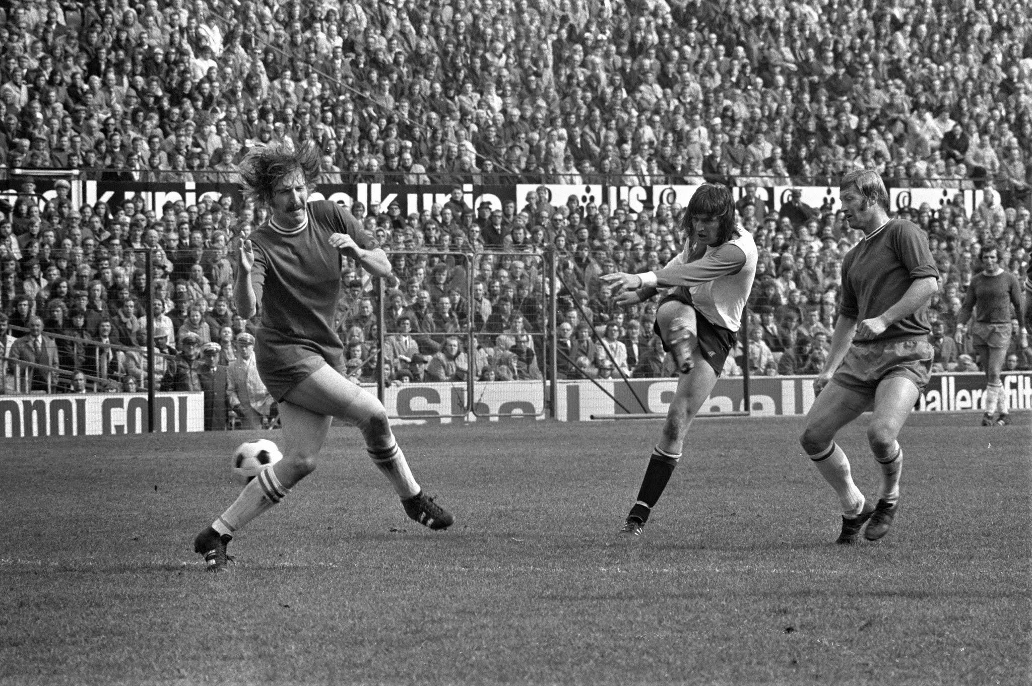 Lex Schoenmaker (Feyenoord) scoort de 3-0