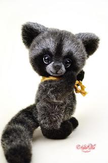 Artist teddy ooak handmade raccoon, artist coon, teddy racoon, artist teddy bear buy, NatalKa Creations, teddies with charm, Teddy Waschbär, Teddy, Teddybär kaufen, Teddy Unikat