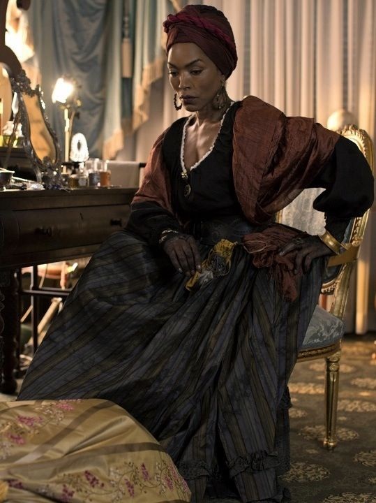 1000+ images about it came from Afuraka on Pinterest ... |Angela Bassett American Horror Story Hair