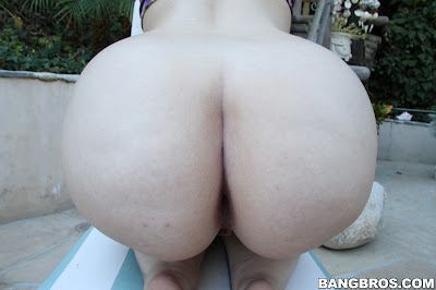 Lily Sincere – This Shit Right Here! Is One Big Juicy Ass!
