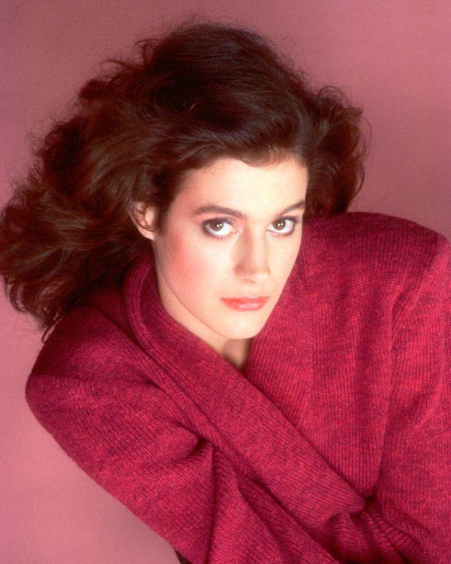 Sean young nude pics, page