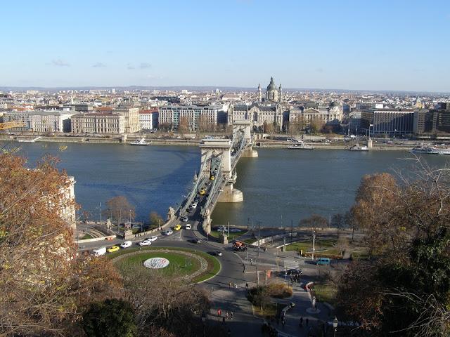 Vedere catre Podul inlatuit de pe dealul catre Castel