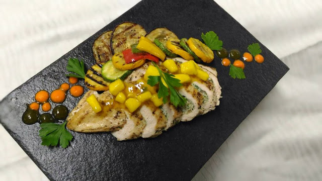 Stuffed chicken breasts with mango sauce
