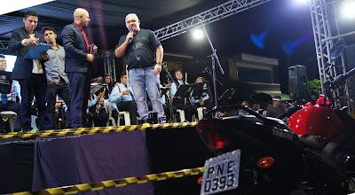 Vereador Claudiomiro Holanda doa moto para OFES