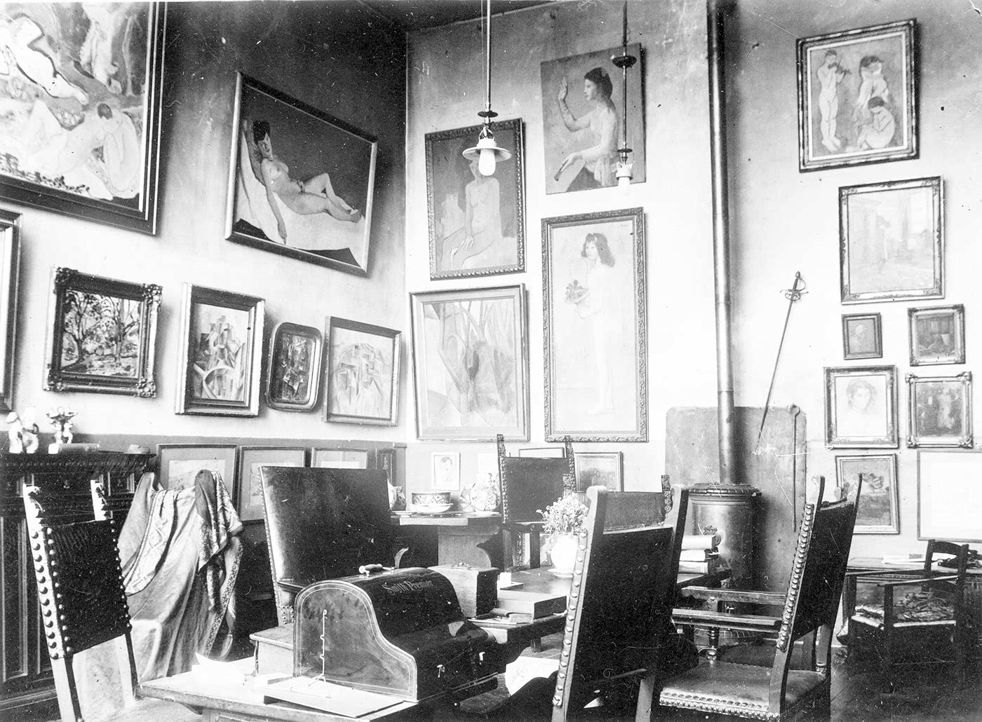 Paintings In Gertrude Stein S Apartment In Midnight In Paris