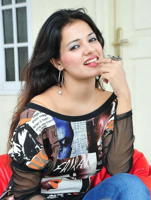 saloni aswani latest photos