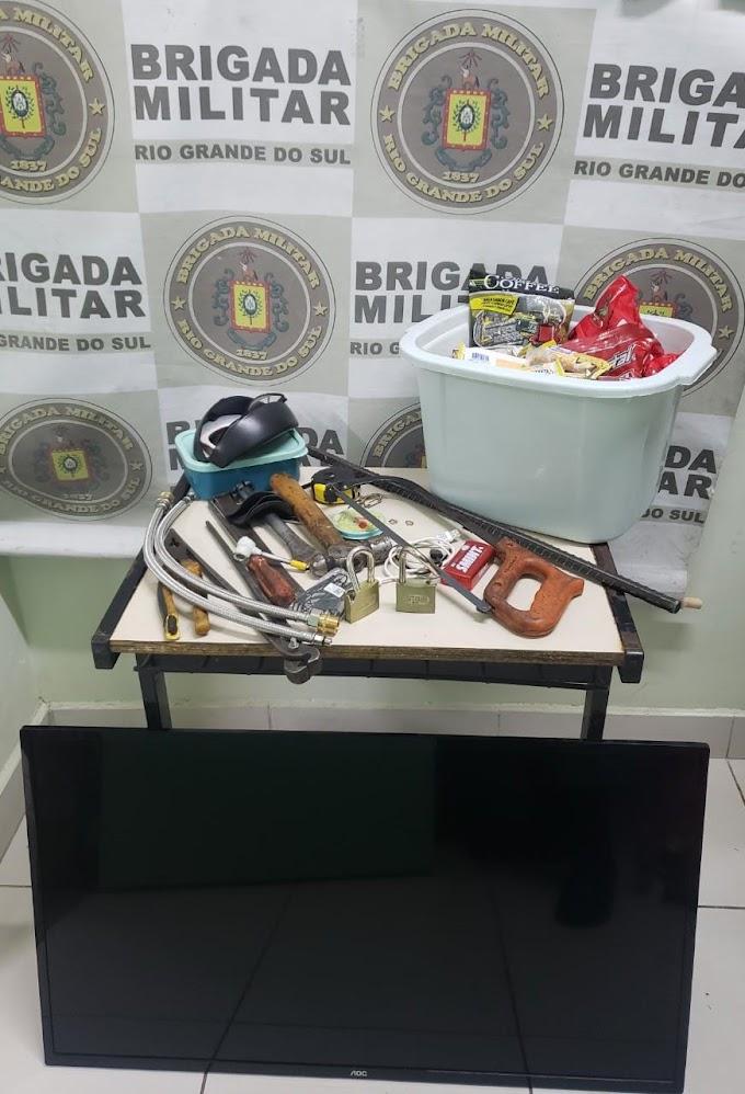 Dupla é presa por arrombar uma loja em Cachoeirinha