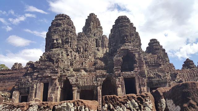 Budget Biyahera - Bayon Temple
