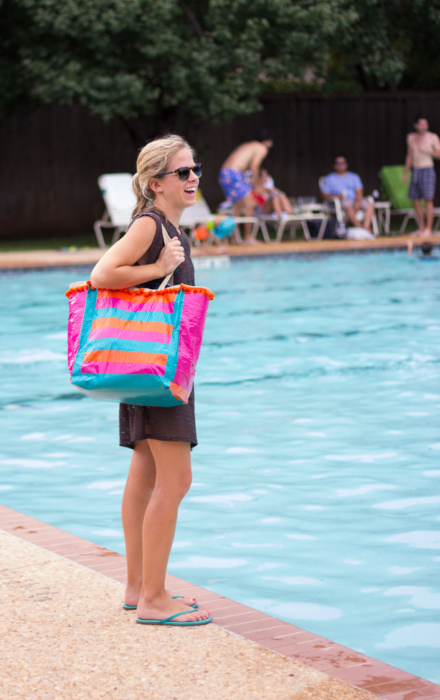 How to make your own pool bag from duct tape!