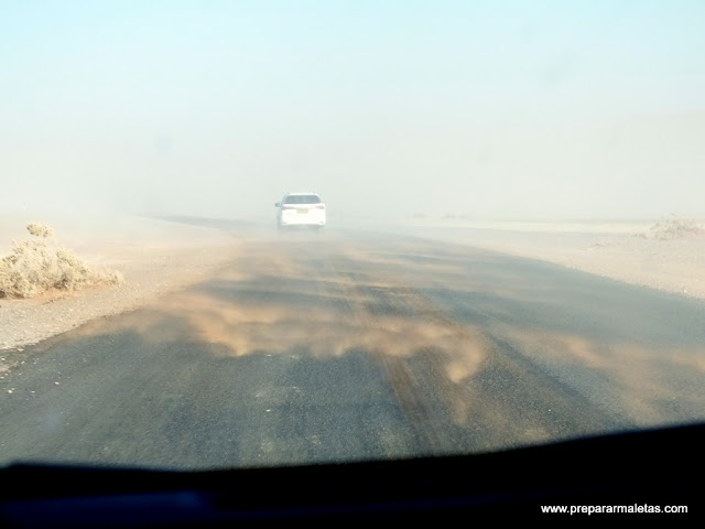 viento en desierto namibia
