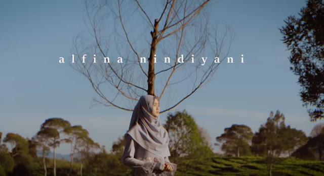 Lirik Lagu Al'Itiraf - Alfina Nindiyani (Islami)