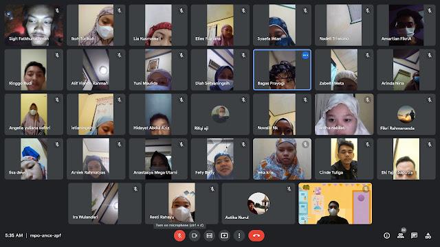Mahasiswa KKN UMP Desa Rowokele Dakwah Dengan Virtual