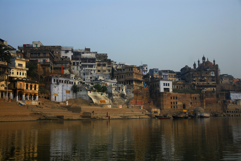 Photo of Varanasi in India submitted to the weekly challenge 'Panoramas' on Better Photography.