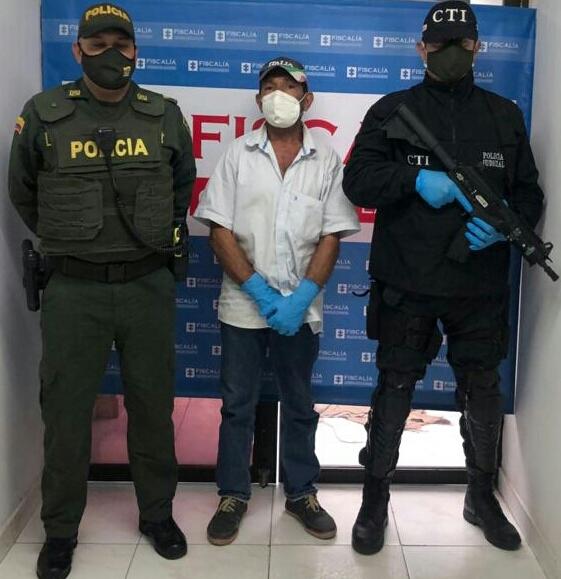 https://www.notasrosas.com/Por agredir a su cónyuge, capturado ciudadano en Fonseca