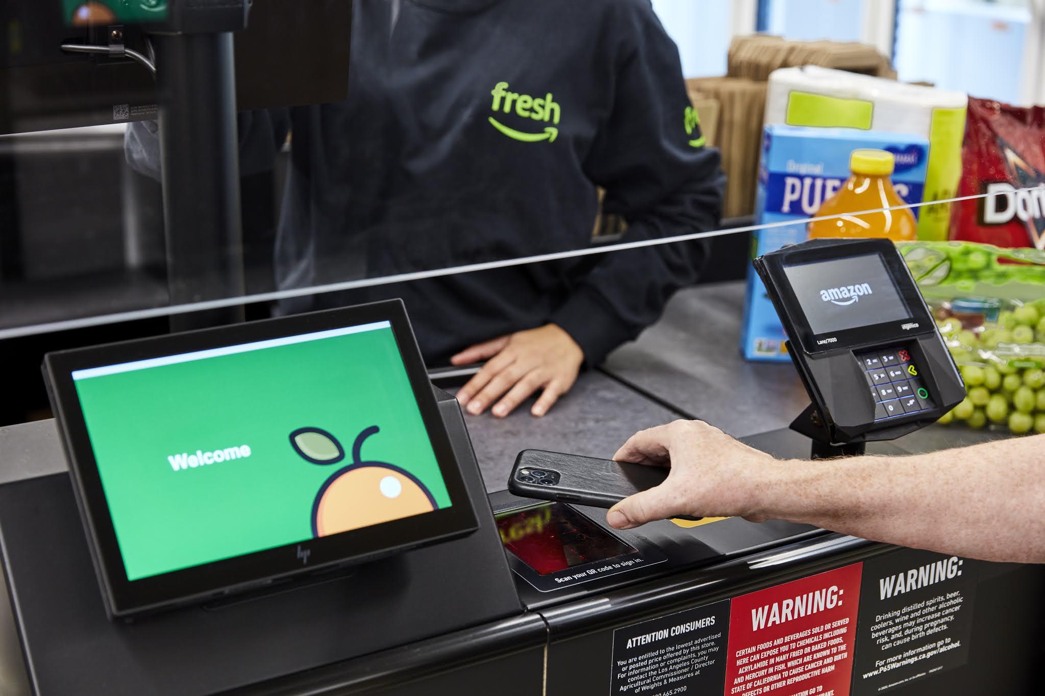 أمازون تفتتح متجر الدفع الآلي في لندن