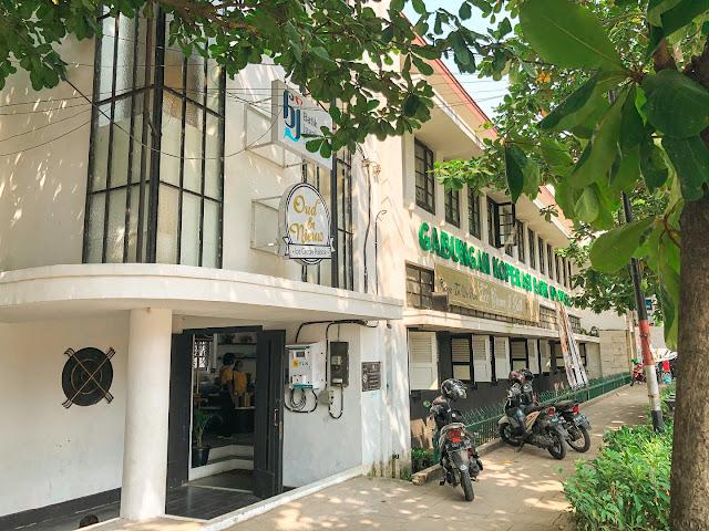 Oud En Niew yang bertempat di Gedung Koperasi Batik Indonesia