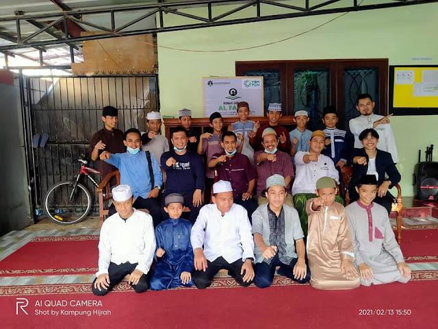 Sedekah Logistik Untuk Santri Penghafal Qur'an