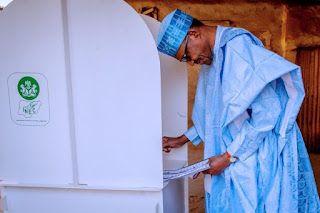 PRESIDENT BUHARI DELIVERS UNIT TO APC
