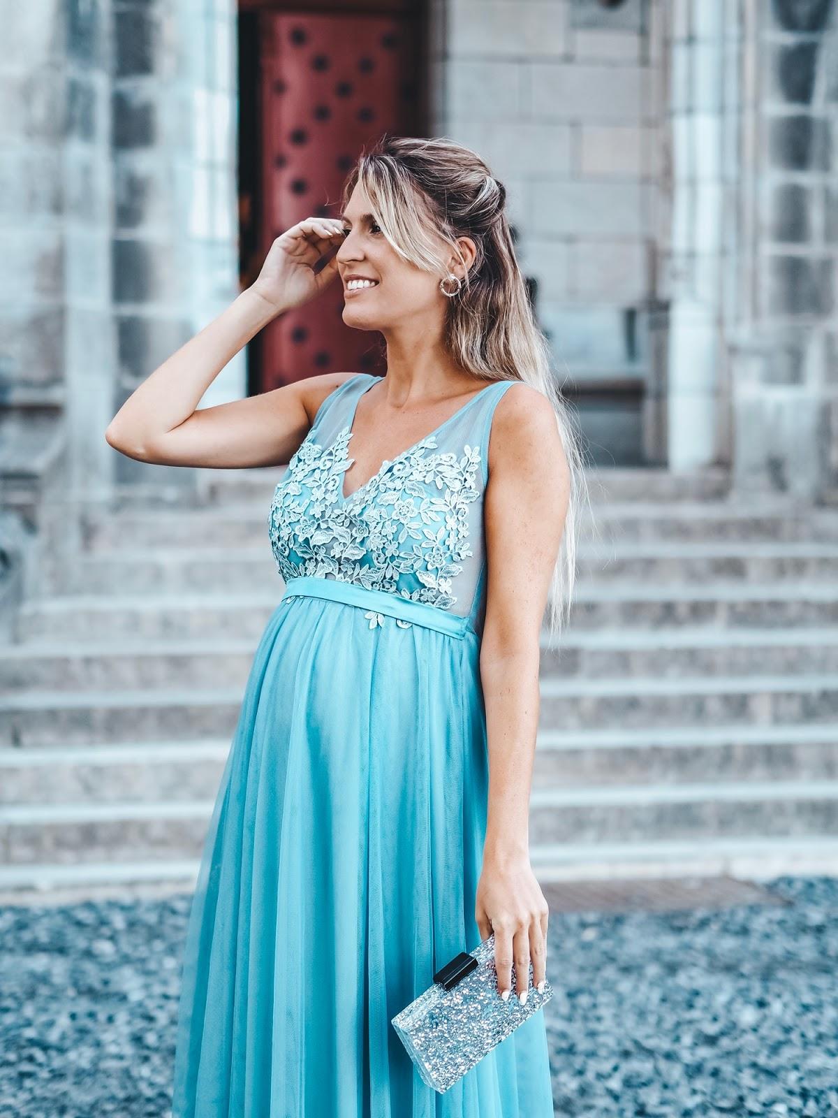 como vestir embarazada a una boda
