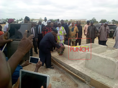 Obasanjo Visits Graveyard of 73 Innocent Nigerians Killed by Herdsmen in Benue