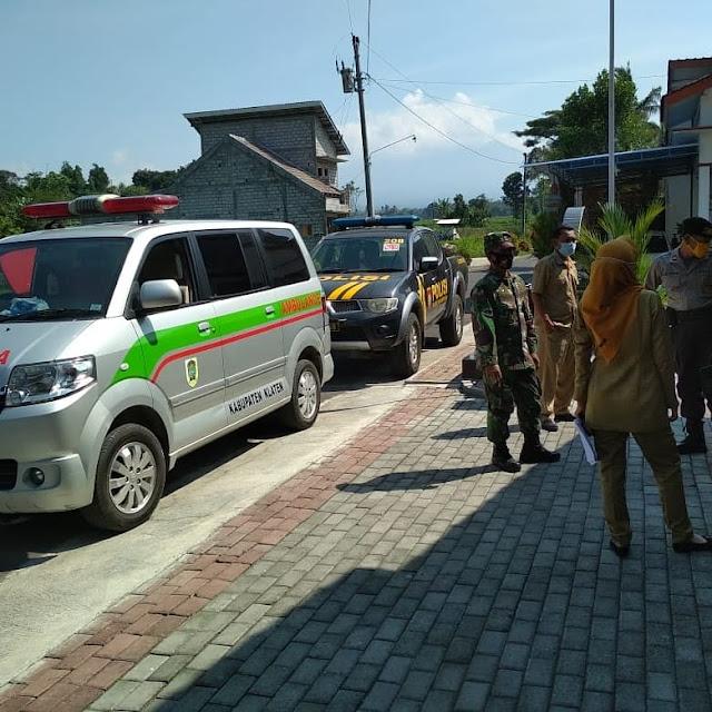 TNI - POLRI Memberikan Himbauan Kepada Warga Guna Mencegah Covid-19 Secara Mobile
