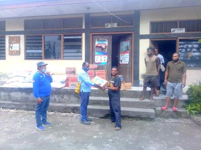 Mahasiswa Nabire di Jayapura Terima Bama dari partai Demokrat Provinsi Papua