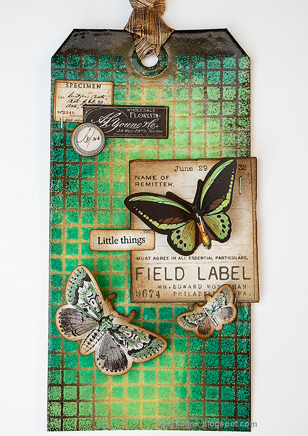 Layers of ink - Embossed Grid Background Tutorial by Anna-Karin Evaldsson. With Simon Says Stamp Solid Grid Background.