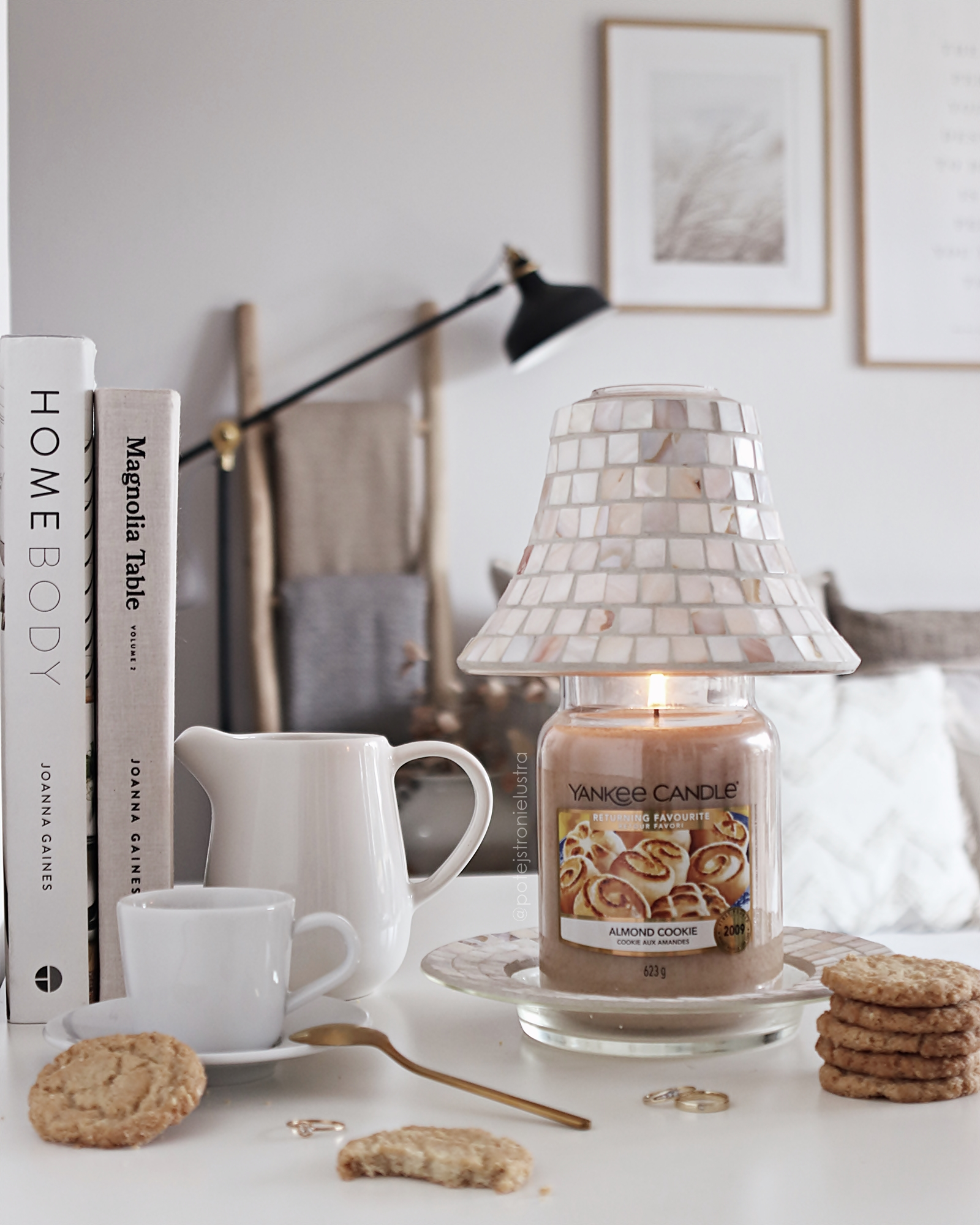 yankee candle almond cookie