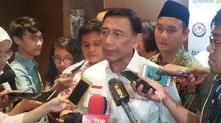 Menteri Koordinator Bidang Politik Hukum dan Keamanan Wiranto.