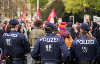 فيينا,اصطدامات,بين,الشرطة,ورافضي,قوانين,كورونا