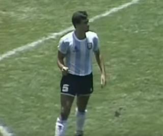 وفاة الأرجنتينى لويس براون صاحب هدف الافتتاح فى النهائى أمام ألمانيا فى مونديال 1986 بالمكسيك