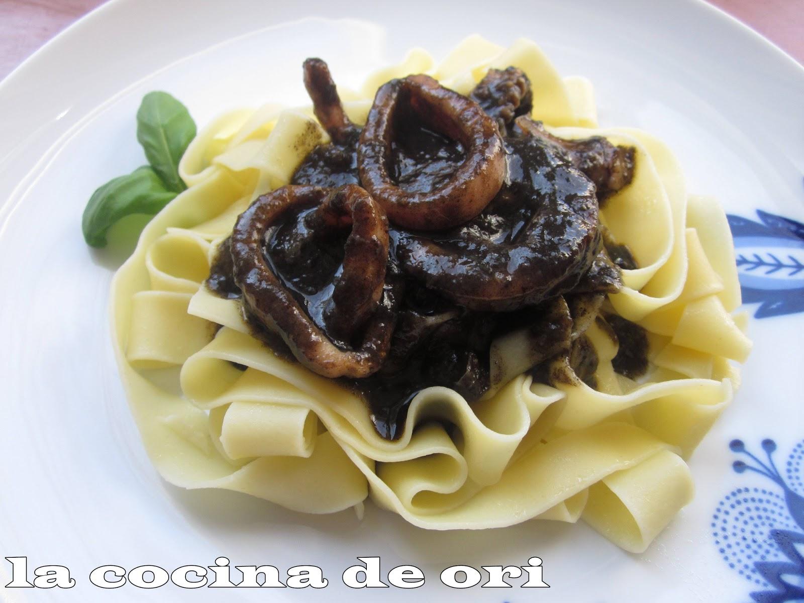 La cocina de ori pasta con calamares en su tinta for Cocina de aprovechamiento